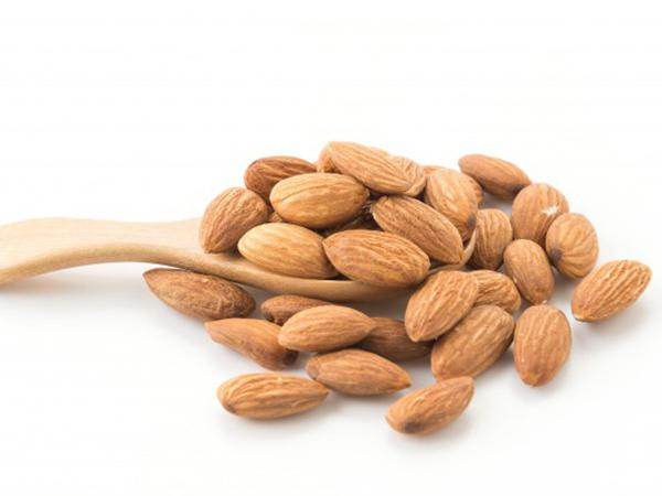 what is Different types of almonds